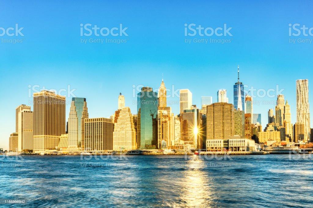 ニューヨーク市ロウアーマンハッタン アット サンライズブルックリン ...