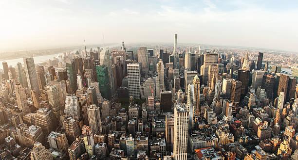 nowy jork manhattan ulica widok z lotu ptaka z chmur - central park manhattan zdjęcia i obrazy z banku zdjęć