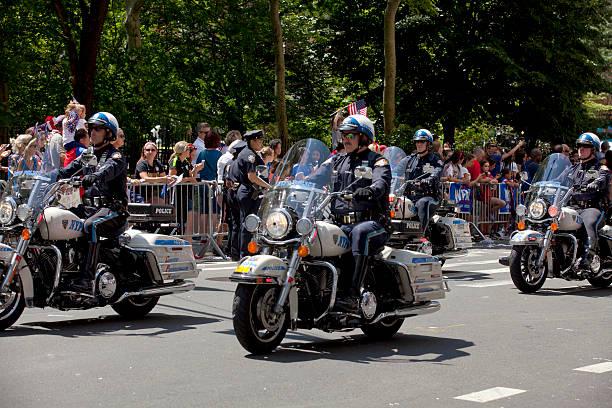 departamento de policía de nueva york motorcycle squad - feliz dia del policia fotografías e imágenes de stock