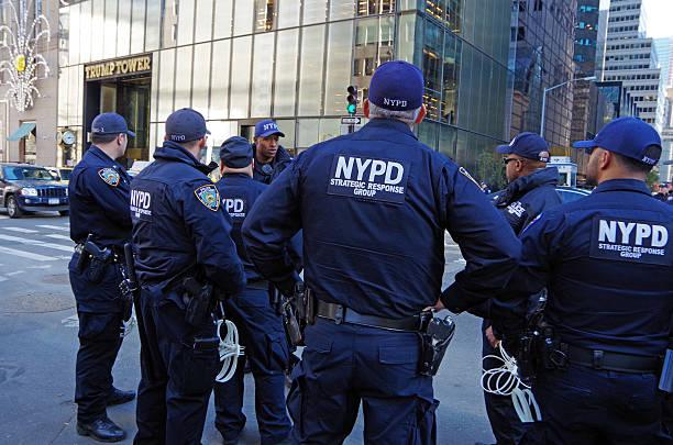 new york city police department provide security for trump tower - donald trump us president стоковые фото и изображения