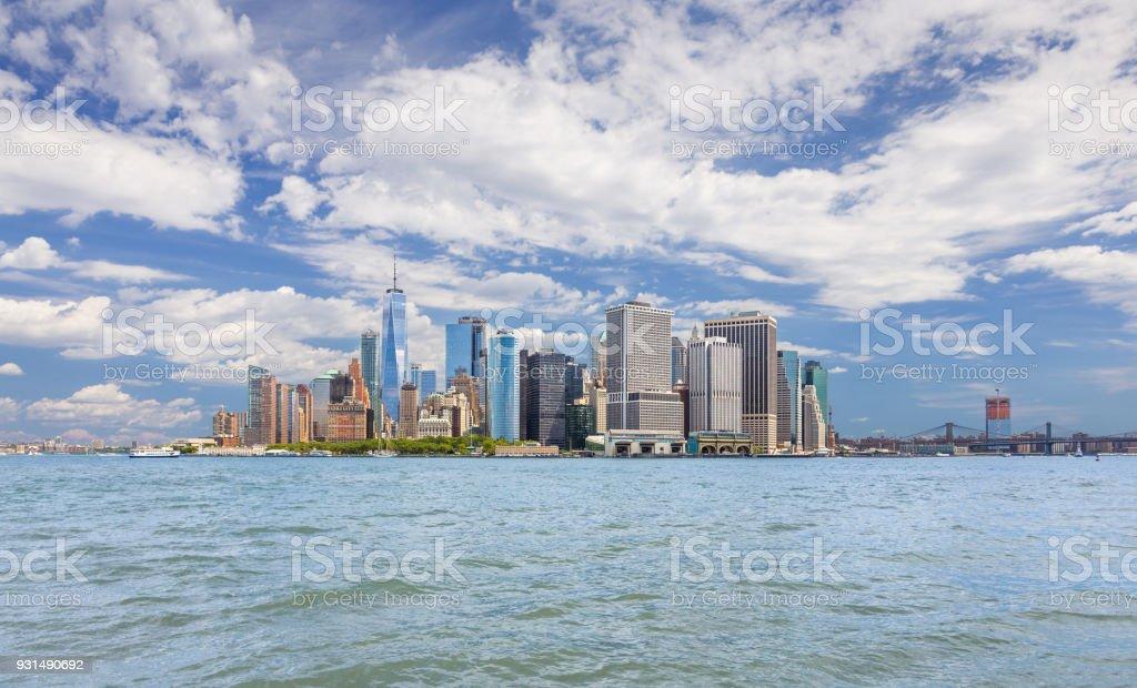 マンハッタンの金融街世界貿易セ...