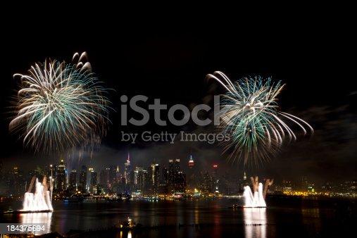 istock New York City Syncronized Fireworks 184375694