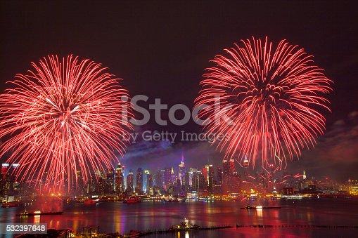 istock New York City Syncronized Fireworks 532397648