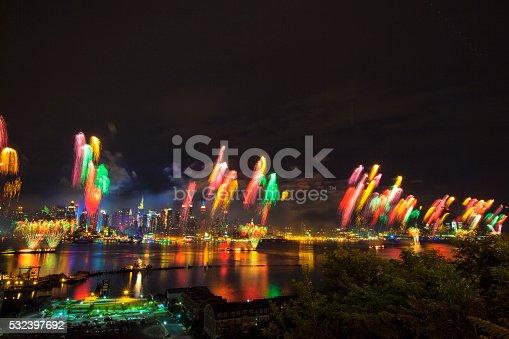 istock New York City Syncronized Fireworks 532397692