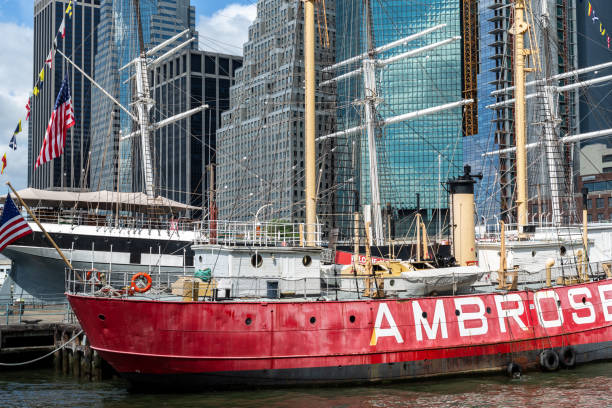 New York City / USA - JUN 25 2018: South Street Seaport in Lower Manhattan in New York City New York City / USA - JUN 25 2018: South Street Seaport in Lower Manhattan in New York City south street seaport stock pictures, royalty-free photos & images