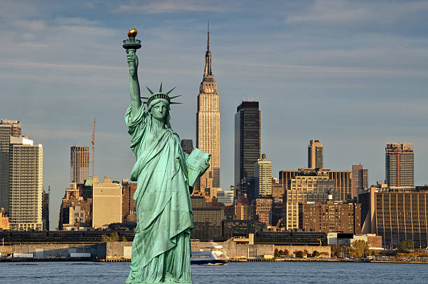 new york empire state building and statue of liberty new york cityscape skyline empire state building and statue of liberty new york state stock pictures, royalty-free photos & images