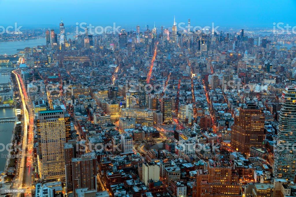 New York von oben in der Abenddämmerung – Foto