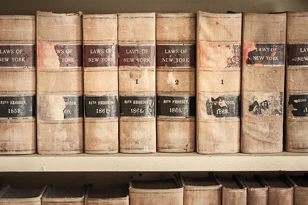 new york ley libros antiguos libros - biblioteca de derecho fotografías e imágenes de stock