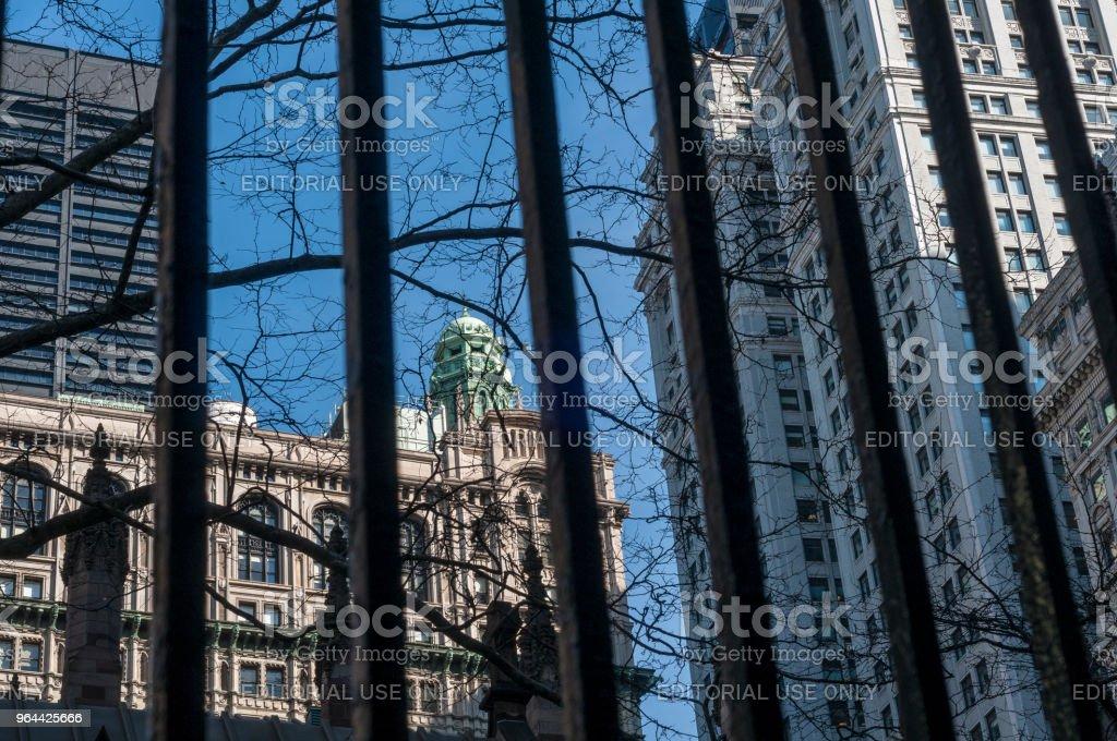 Cerca de ferro de horizonte de Nova Iorque - Foto de stock de Cerca royalty-free