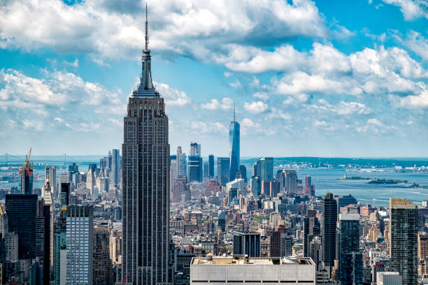 New york skyline New york skyline looking towards lower manhattan empire state building stock pictures, royalty-free photos & images