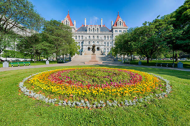 New York State Capitol New York State Capitol building on State Street in Albany, New York albany new york state stock pictures, royalty-free photos & images