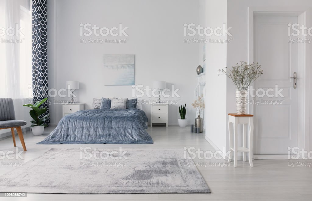New York Style Bedroom Design With Double Bed White Bedside ...