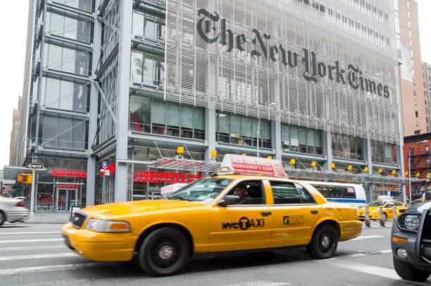 new york times-hauptsitz - new york times stock-fotos und bilder