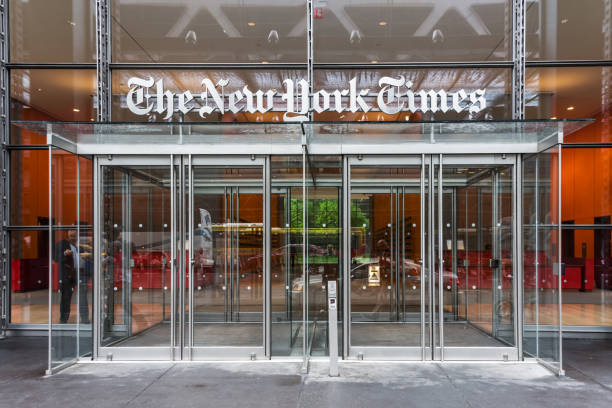 new york times headquarters - new york times stock-fotos und bilder