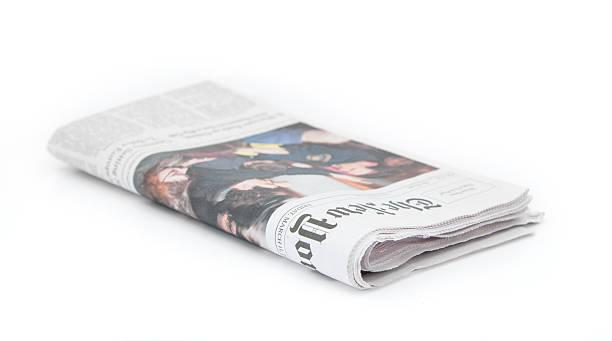 new york times – zeitung, isoliert auf weiss - new york times stock-fotos und bilder