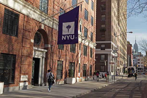 Neu York Universität Gebäude auf der Washington Platz Westen – Foto