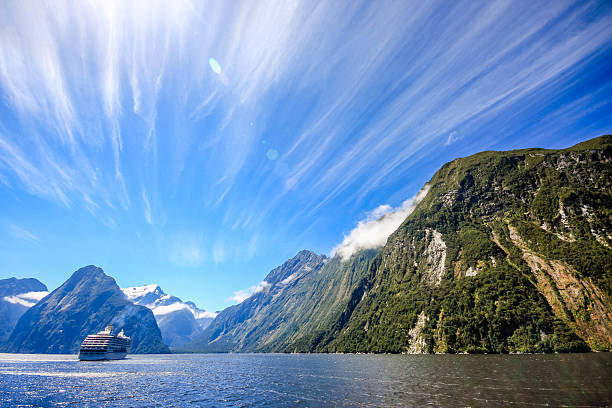 Nueva Zelanda-Milford Sound - foto de stock