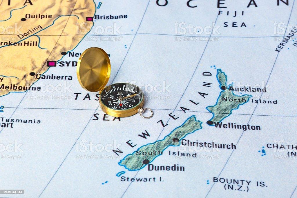 Novo Zeland mapa e uma bússola - foto de acervo