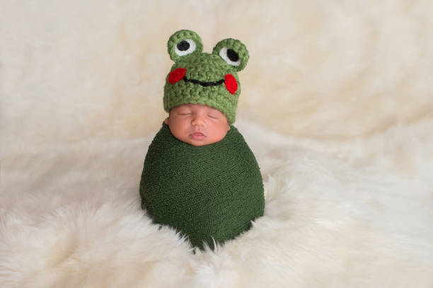 Newborn baby boy wearing a frog hat picture id981146144?b=1&k=6&m=981146144&s=612x612&w=0&h=ryvq5btkdwpkvvg3fftz6czzm862hlf44j3mp4xufl8=