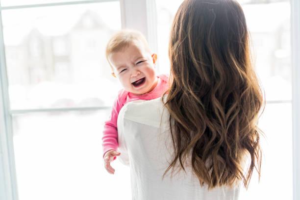 Newborn baby in the hand of his mother at the window picture id854147136?b=1&k=6&m=854147136&s=612x612&w=0&h=8govxjvokpxuv5vkoumjhudqrwrrnurizrpbddgjk7q=