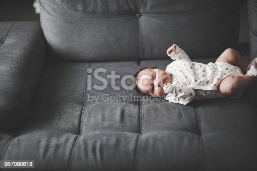 853843596 istock photo Newborn baby 957080618