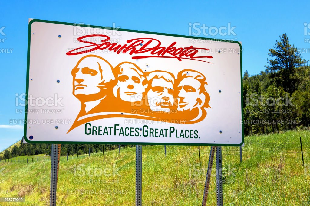 13.07.2015 - Newcastle, Wyoming, USA: Willkommen in South Dakota Schild mit Text