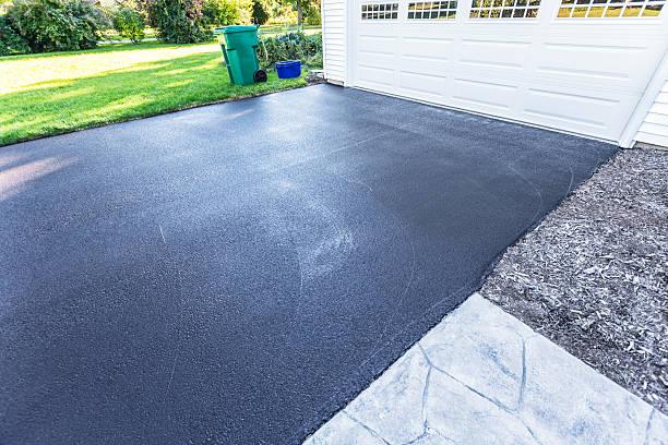 Recentemente Blacktop termosaldate asfalto strada privata - foto stock