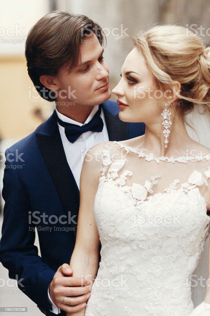 Mon mari sort avec une femme mariée