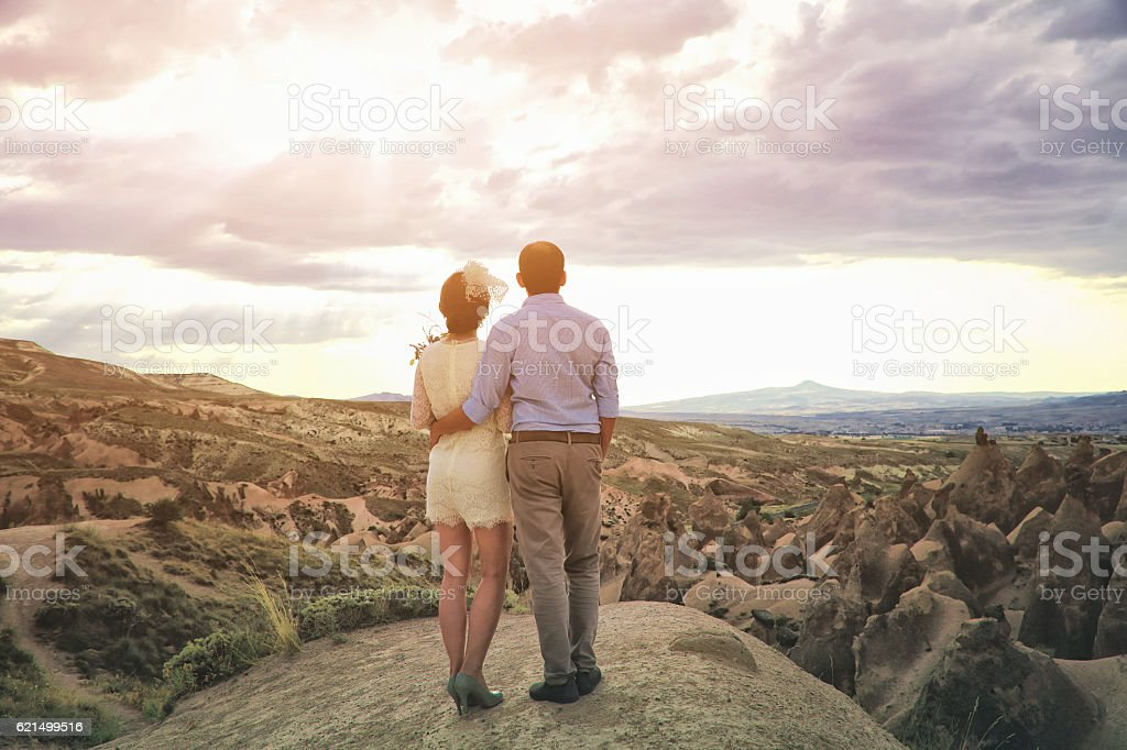 Newlyweds in Cappadocia, Turkey Lizenzfreies stock-foto