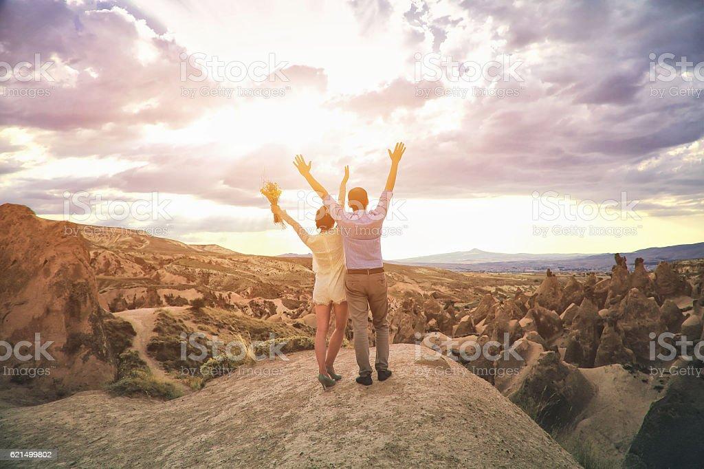 Newlyweds in Cappadocia, Turkey foto stock royalty-free