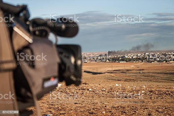News camera shoots bombs in kobani syria from border picture id524232369?b=1&k=6&m=524232369&s=612x612&h=xnmyv1qxypejepacz2rcnjbmysojzquuvcgafvjgala=