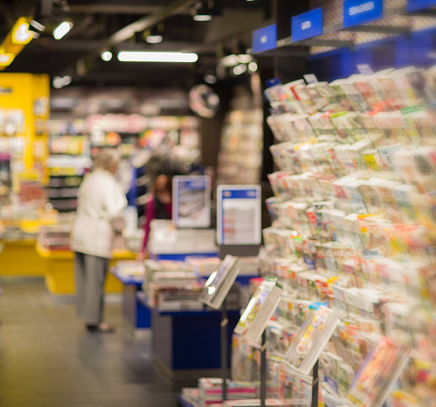 News Stand Senior on newspaper stand news stand stock pictures, royalty-free photos & images