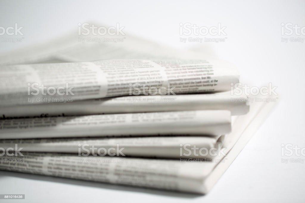 Tageszeitung, isoliert auf weißem Hintergrund - Lizenzfrei Computerausdruck Stock-Foto