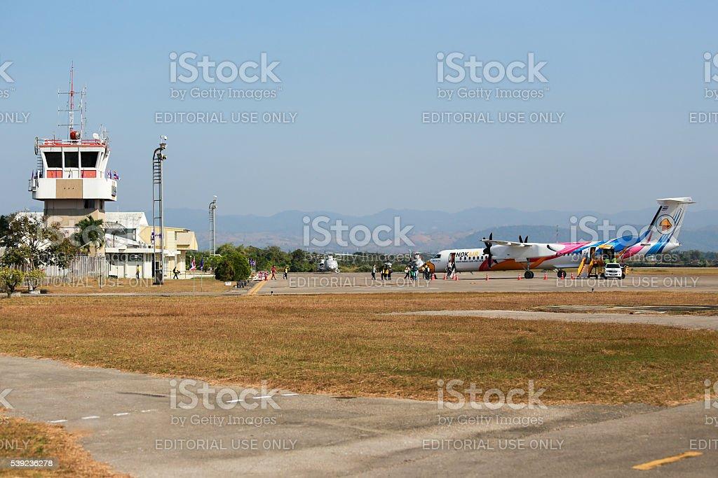 """BOMBARDIER Q400 NextGen """" Nok Kao Poon"""" de Nok aire foto de stock libre de derechos"""
