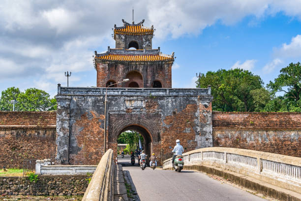 Ngan Gate in Imperial Hue city Citadel, Vietnam Ngan Gate in Imperial Hue city Citadel, Vietnam huế stock pictures, royalty-free photos & images