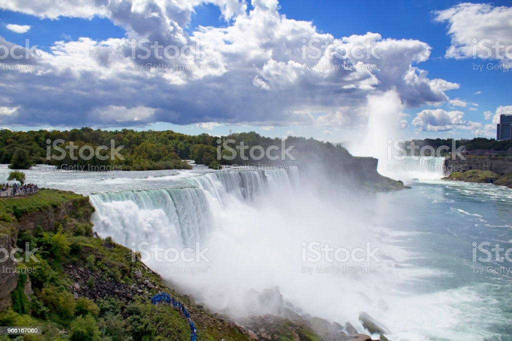 Niagara Falls - Royaltyfri Blå Bildbanksbilder