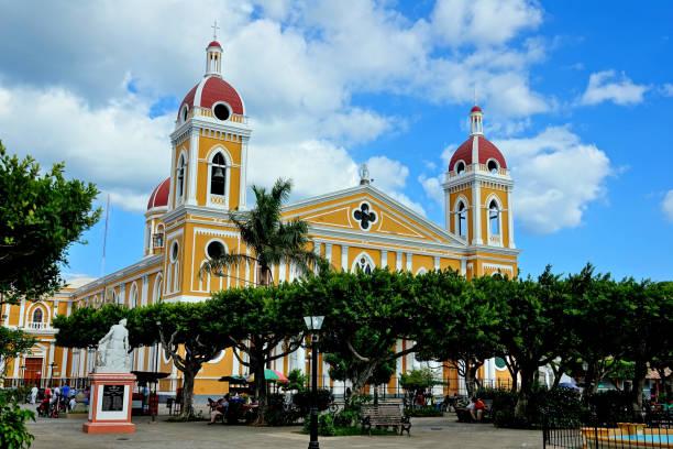 nicaragua stadt granada - nicaragua stock-fotos und bilder