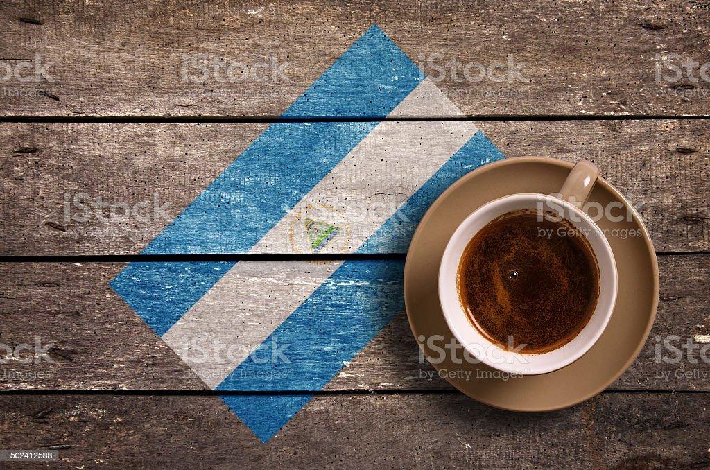 Bandera de Nicaragua y café - foto de stock