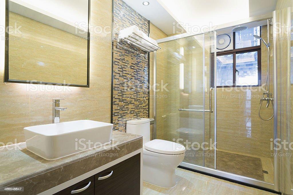 Schönes Badezimmer Stockfoto und mehr Bilder von Badezimmer ...