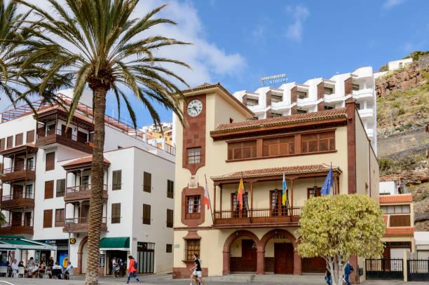 Schöne Hauptfassade des kolonialen Rathausgebäudes in San Sebastian De La Gomera – Foto