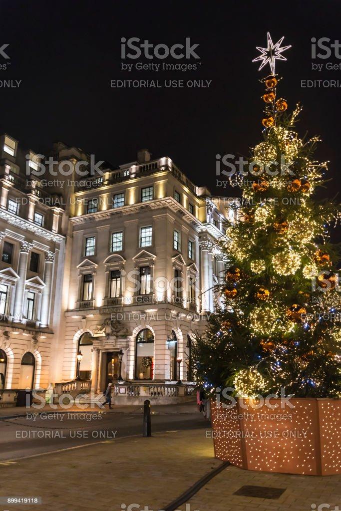 Weihnachtsbaum England.Schön Dekoriert Weihnachtsbaum Im Unteren Regent Street In Central