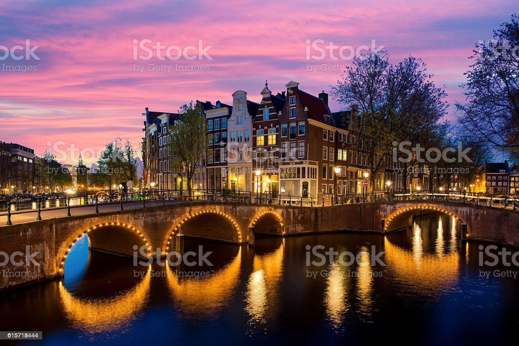 Night city view in Amsterdam, Netherlands.​​​ foto