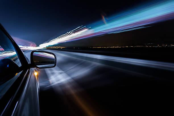 nuit en voiture - voiture nuit photos et images de collection