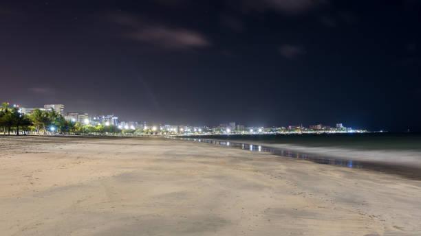 Nacht-Bild von Pajuçara Strand in Maceio, Alagoas, Brasilien – Foto