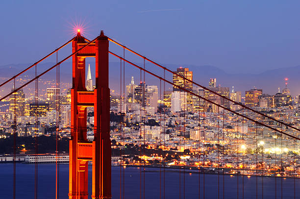 Noche panorama de puente Golden Gate, San Francisco, Estados Unidos - foto de stock