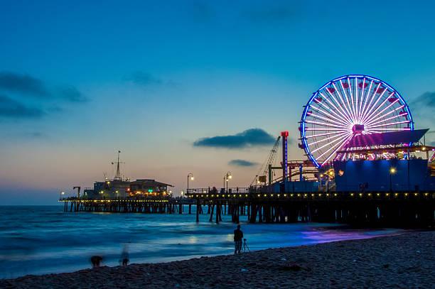 Night Los Angeles, Ferris Wheel in Santa Monica. California USA – Foto