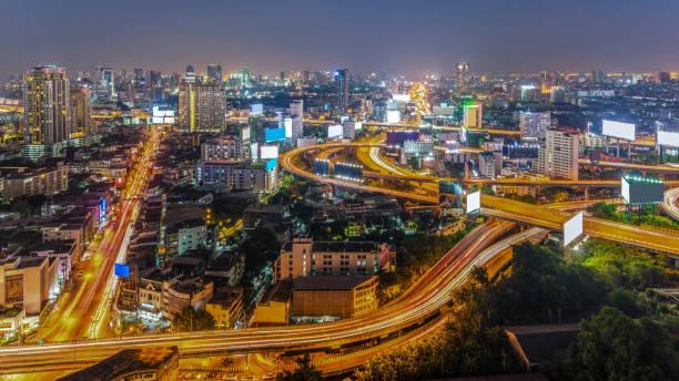 曼谷市中心城市夜景城市天際線泰國在 2017年12月-城市景觀曼谷城市泰國圖像檔