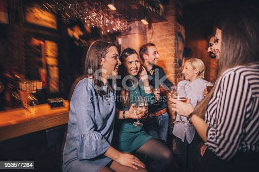 istock Night out with friends 933577264