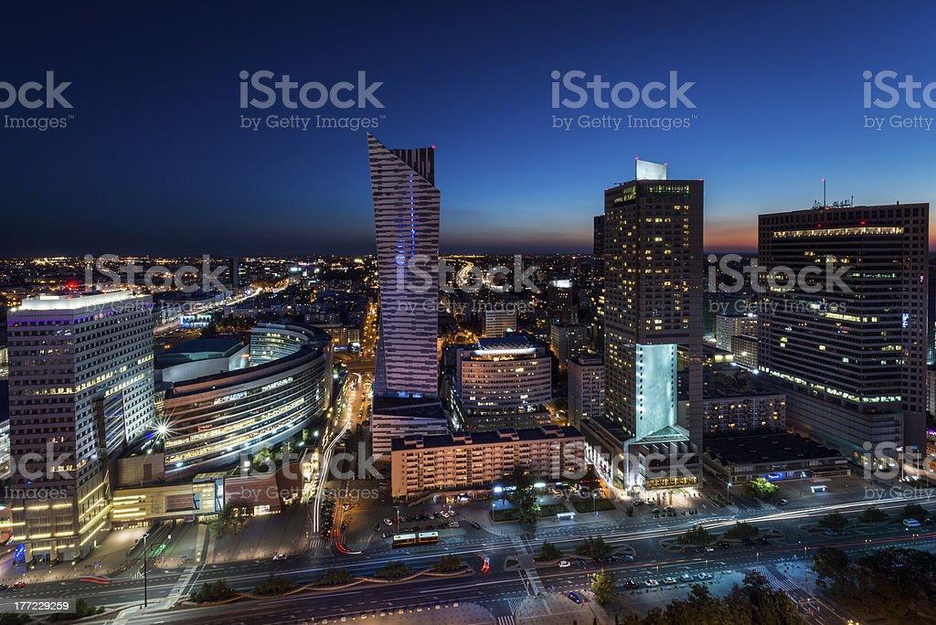 Nacht panorama von Warschau city center – Foto