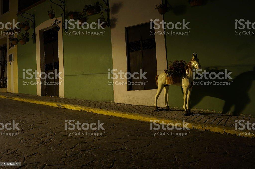 Fotografía nocturna, Urban Street y cámara fotográfica nocturno detalles de objetos - foto de stock